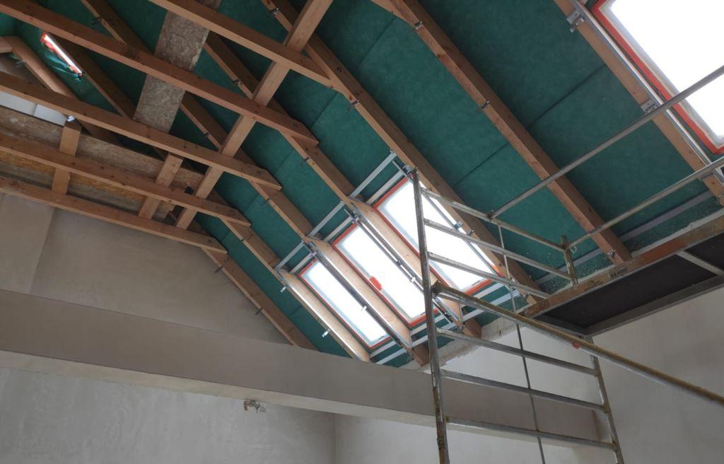 ocieplanie wysokich stropów