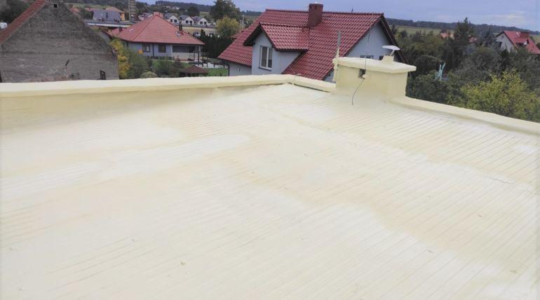 Natrysk dachu imalowanie powłoki ochronnej wOborze