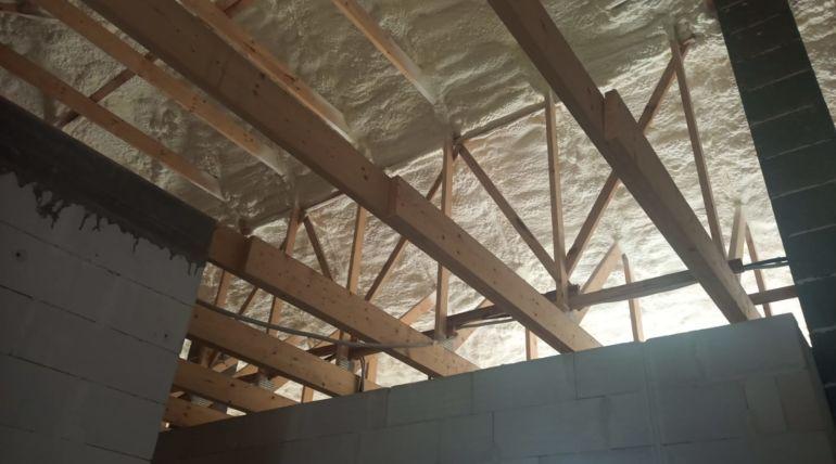 Docieplenie dachu pianką poliuretanową – Radomia